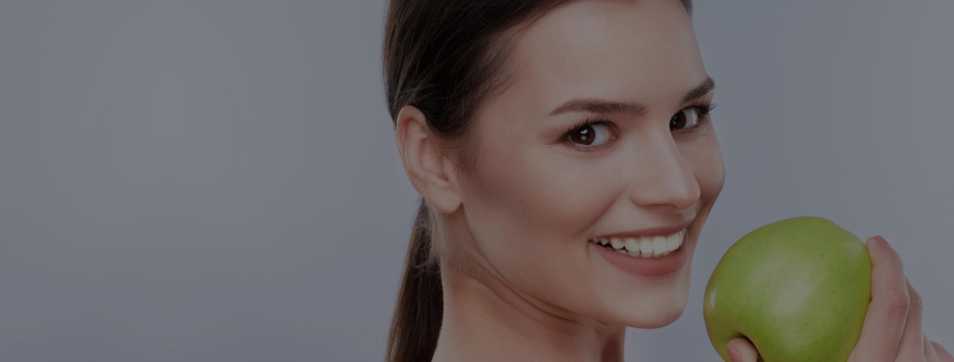 Si l'apparence de vos dents ne vous satisfait pas entièrement, n'hésitez pas à nous contacter.