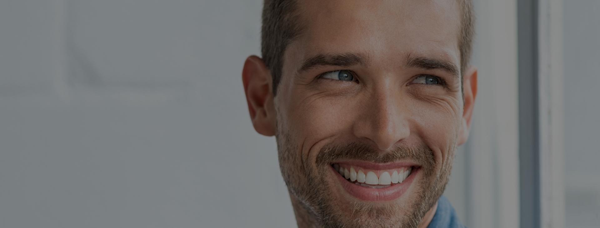 Votre dentiste pourrait suggérer la pose d'un scellant dentaire afin de vous offrir une protection supplémentaire contre la carie.